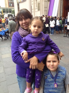 Adri, Santi and mom at Las Nazarenas